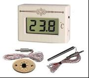 Термометр электронный с выносным датчиком ТЭС Pt в корпусе из липы